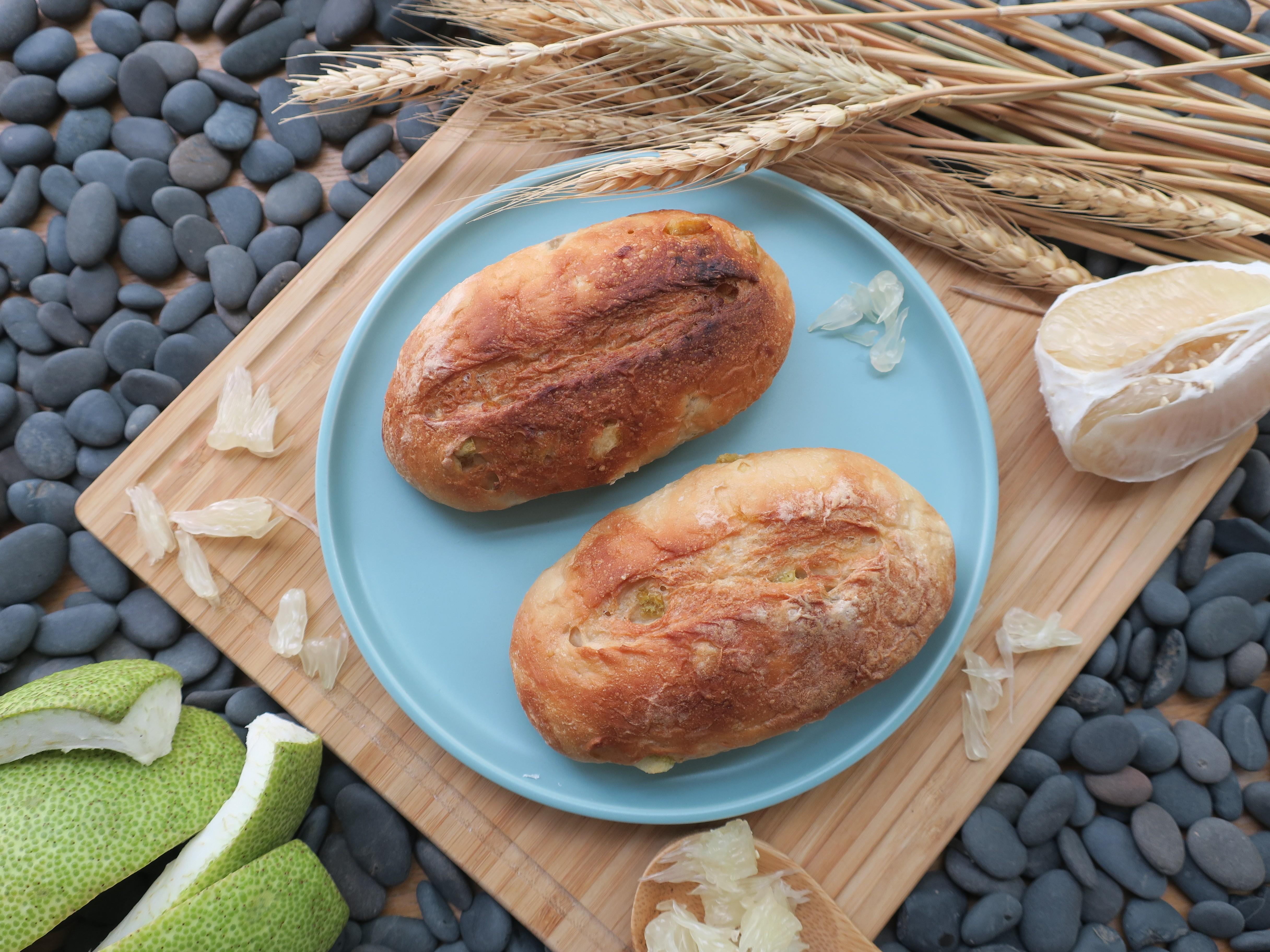 只有文旦半熟麵包一袋入(8顆)